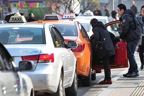 CTIコールセンターシステムの導入はタクシー業界が一番!?